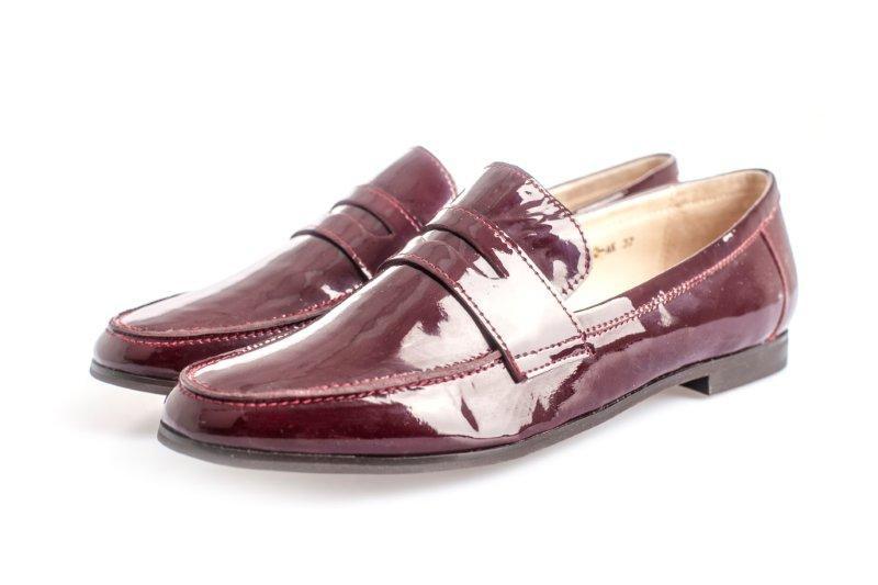 из-за аденоидов?как новые красивые непарные туфли во сне этого иностранного современного