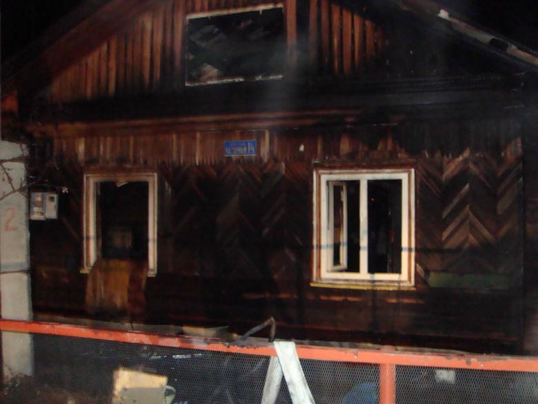 Погибшие напожаре под Томском несмогли разбить стеклопакеты