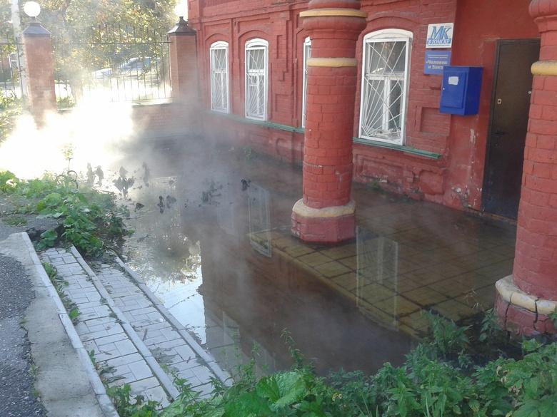 ВТомске из-за трагедии втеплосети подтопило два дома