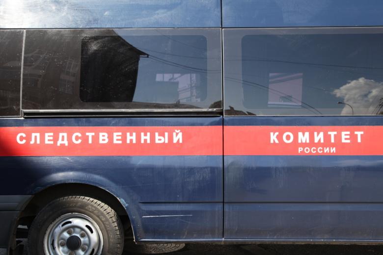 Томские следователи проводят проверку пофакту обнаружения тела взаведенной машине
