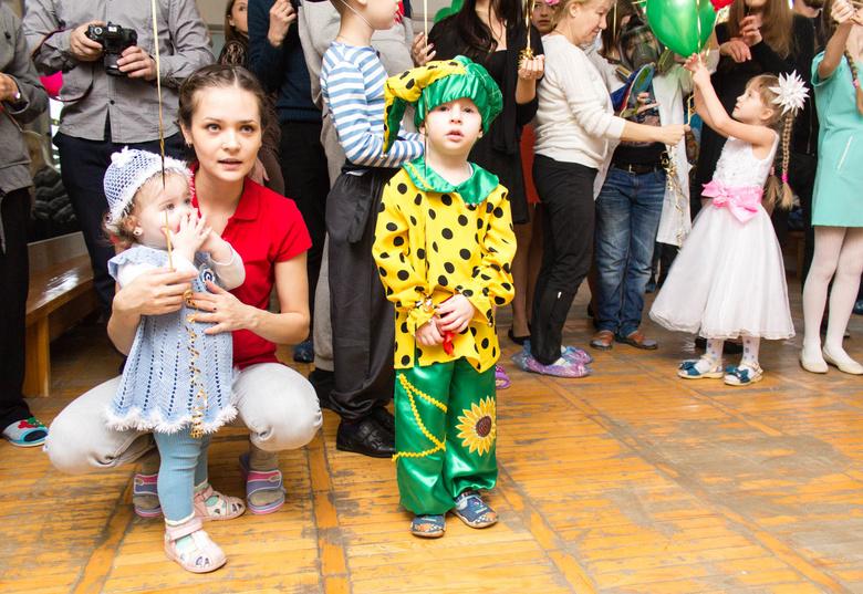 Власти Томска закупили 57,4 тыс новогодних подарков для молодых томичей