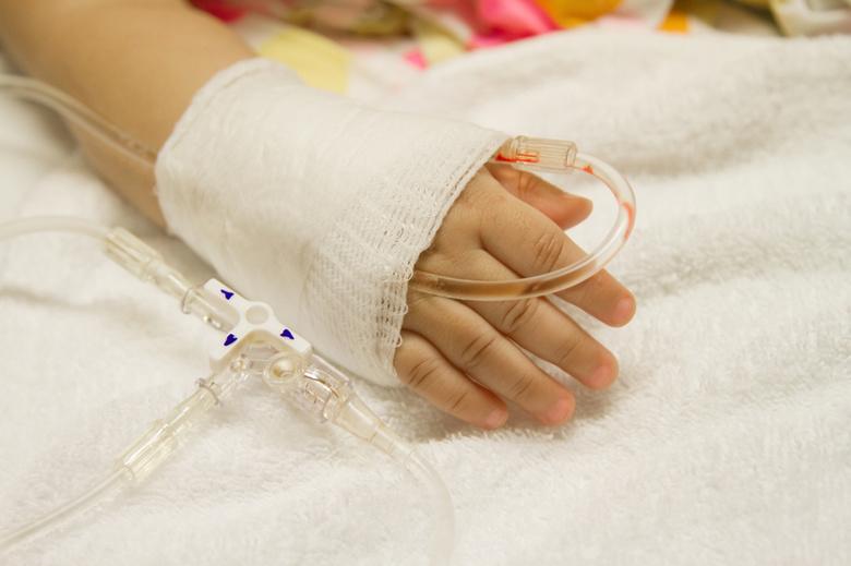 Частная компания оплатила маленькой томичке операцию на сердце