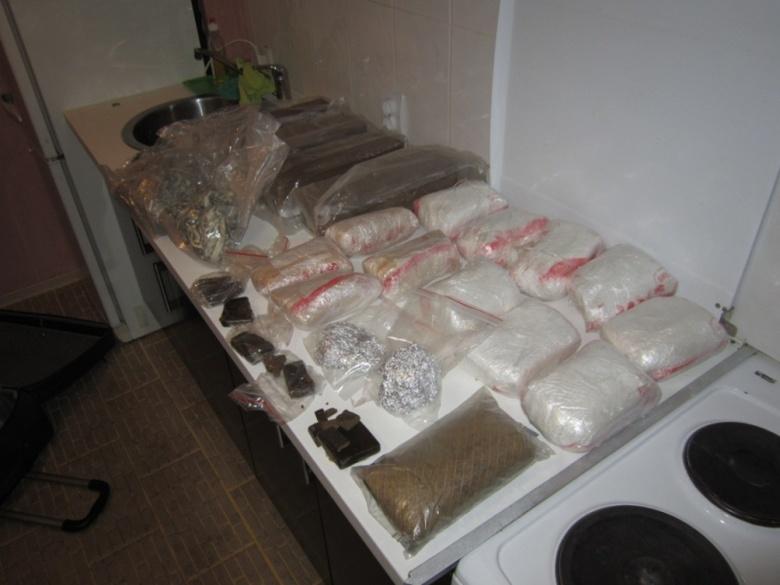 Томский суд рассмотрит дело банды, продававшей наркотики по всей Сибири