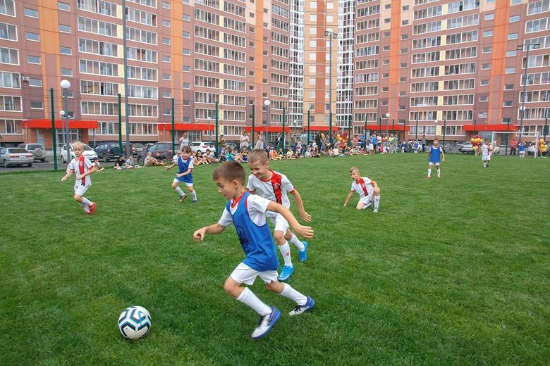 Первая футбольная тренировка прошла на новом поле в Южных Воротах