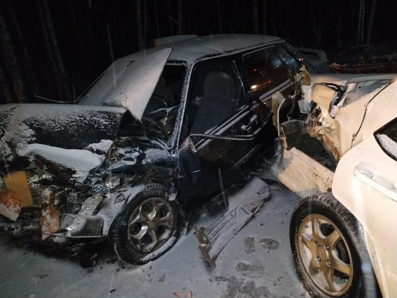 Пять человек пострадали в двух ДТП на трассе Томск - Мариинск