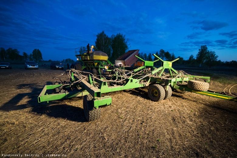 Посев яровых начался на полях Томской области