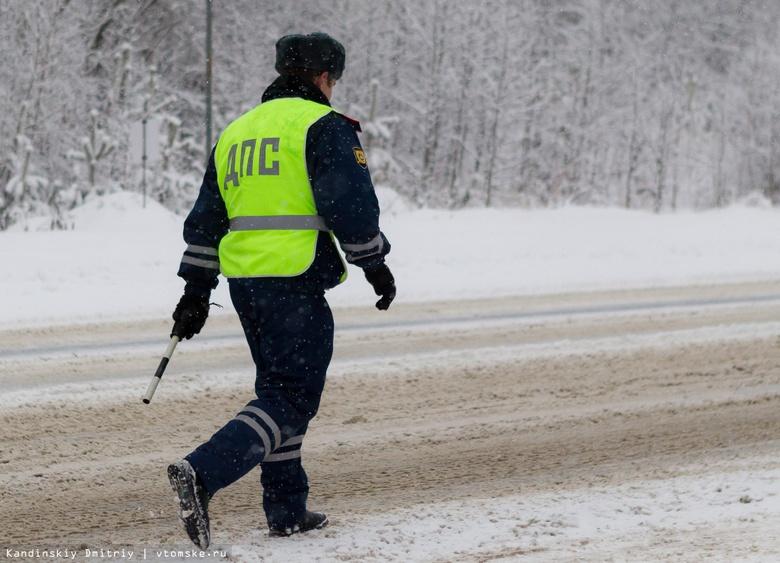 Водитель Toyota погиб на севере Томской области, съехав в кювет