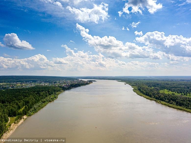 Молодой человек умер, переплыв реку на севере Томской области