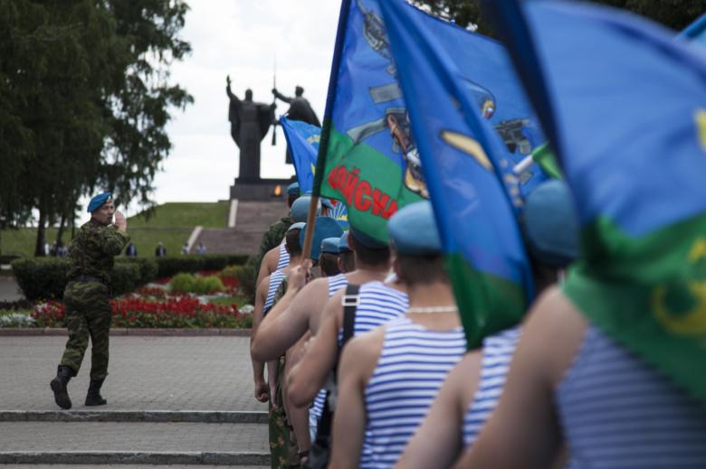 Шествие десантников в томске фото давно планировали