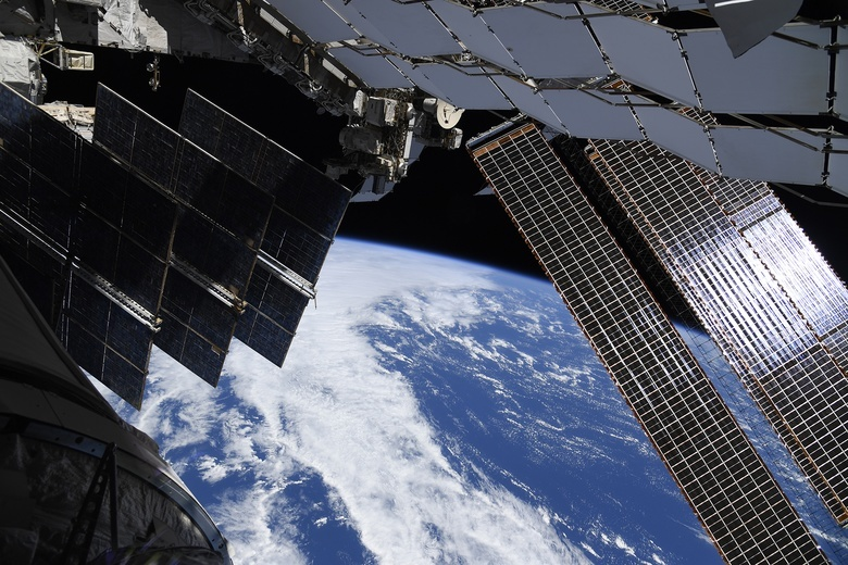 Экипаж МКС впервые с 2015г составил 9 человек
