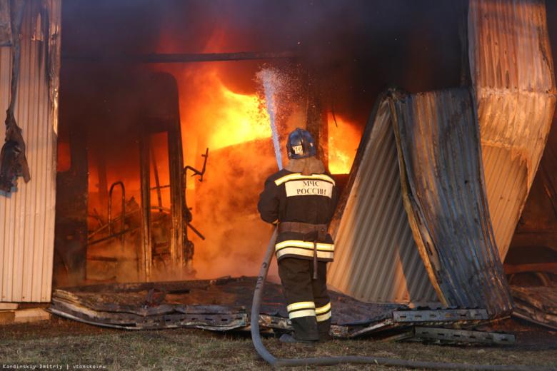 ВТомске сгорел ангар савтобусами
