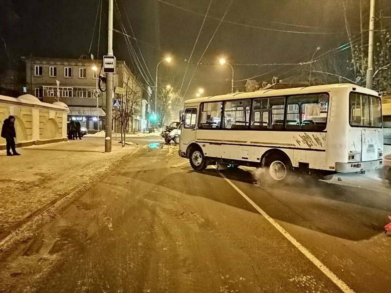ГИБДД ищет очевидцев ДТП с маршруткой и «Газелью», где пострадали четверо