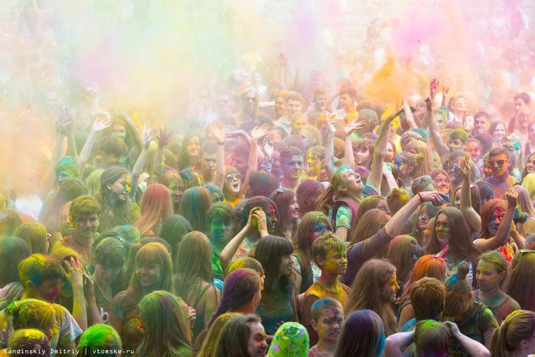 Три тонны красок, музыка и конкурсы ждут томичей на фестивале в 2018г