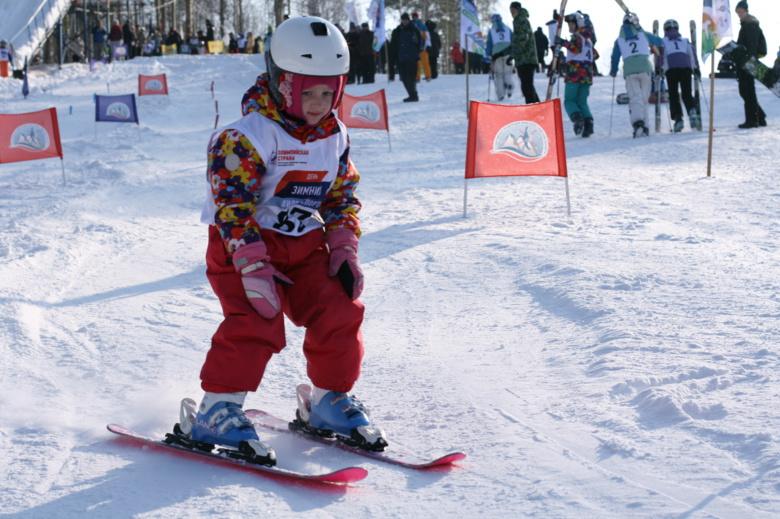 Дети четырех лет заняли призовые места на соревнованиях по фристайлу в Томске