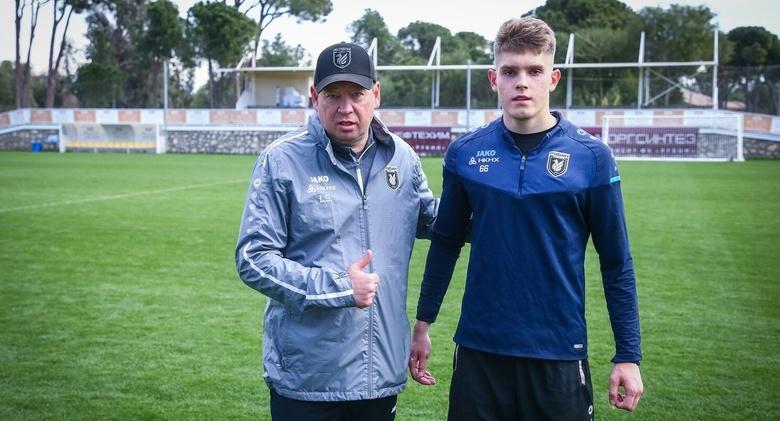 Молодой вратарь из Томска на 5 лет подписал контракт с клубом РПЛ