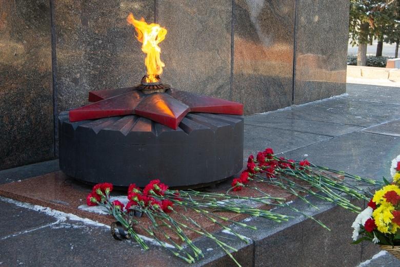 «Мы знаем, мы помним»: томичи почтили память погибших воинов в День Неизвестного Солдата