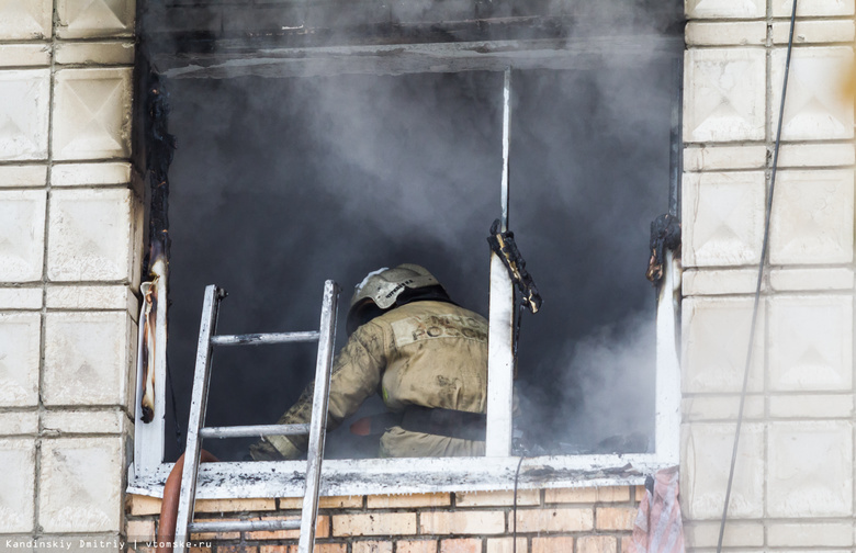 Загоревшийся диван стал причиной пожара в общежитии ТУСУРа