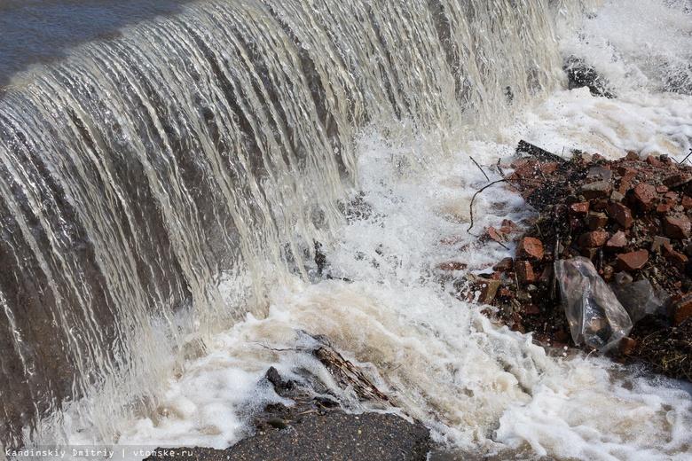 Перелив дороги произошел в Томской области из-за подъема уровня воды в Оби