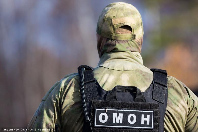 ОМОН болгаркой вскрыл двери подпольного казино в Томске