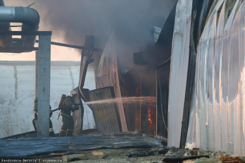 ВТомске натерритории прежнего завода впожаре сгорело три автобуса