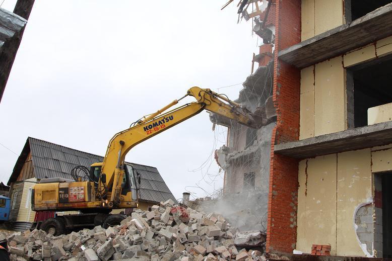 НаДальне-Ключевской начался снос самовольно построенного дома