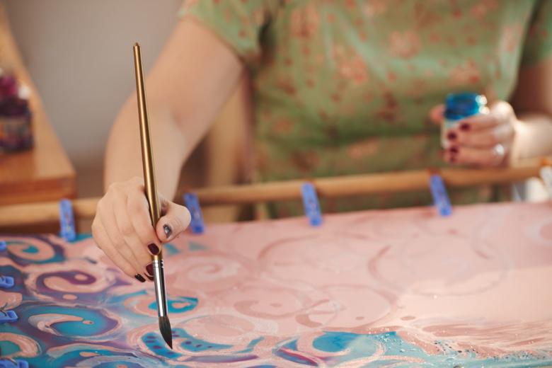 Для томичек с раком груди проведут психологические уроки и арт-терапию
