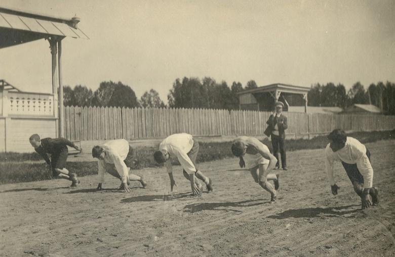 Спринт гимназистов на томском ипподроме
