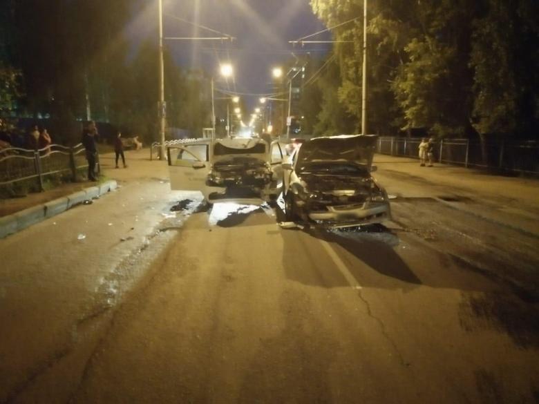 Ребенок и двое взрослых попали в больницу после ДТП в Томске