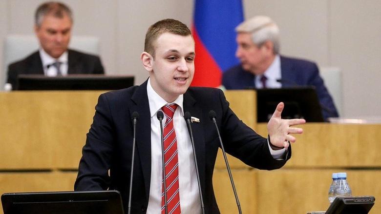 Самый молодой депутат Госдумы предложил признать видом спорта рэп-баттлы