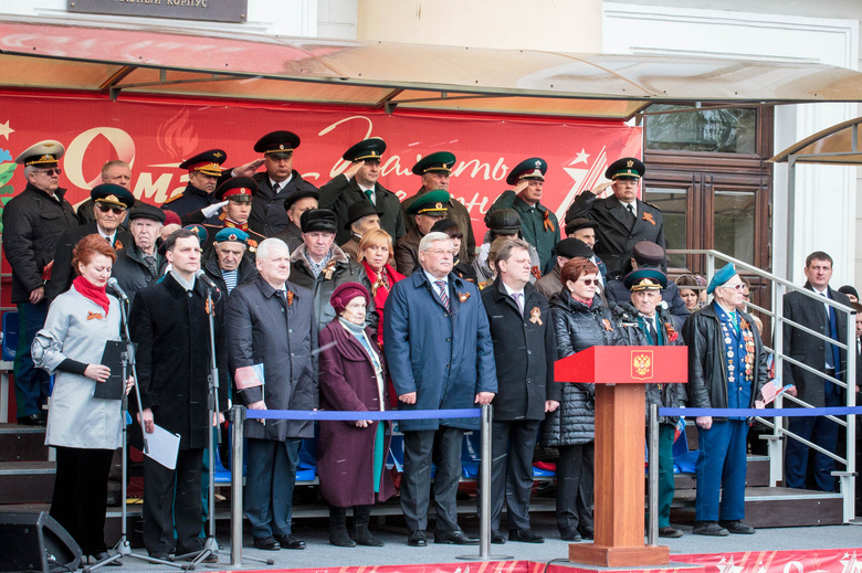 Губернатор и мэр поздравили ветеранов и томичей с Днем Победы