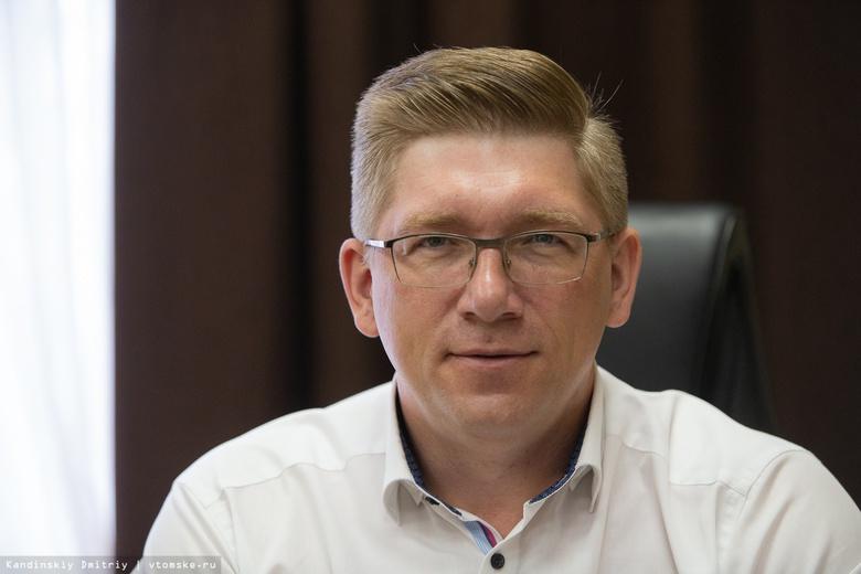 Виталий Щуренков: «Зарплатные карты выгодны и работодателю, и сотрудникам»