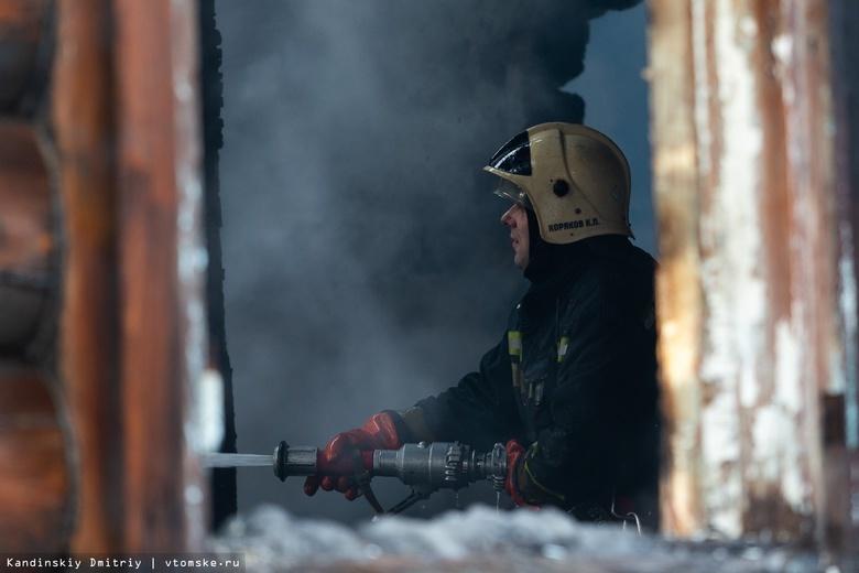 Пенсионерка погибла при пожаре в поселке Самусь
