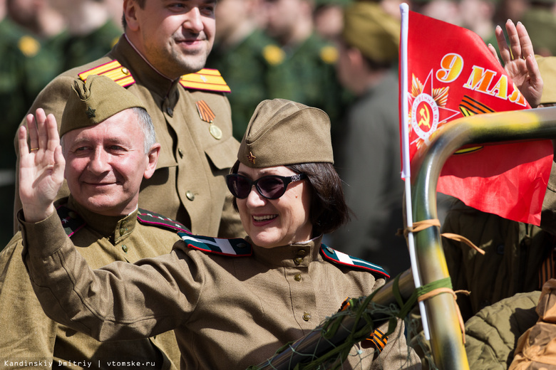 Томичи смогут выбрать песню военных лет, чтобы массово спеть ее в День Победы