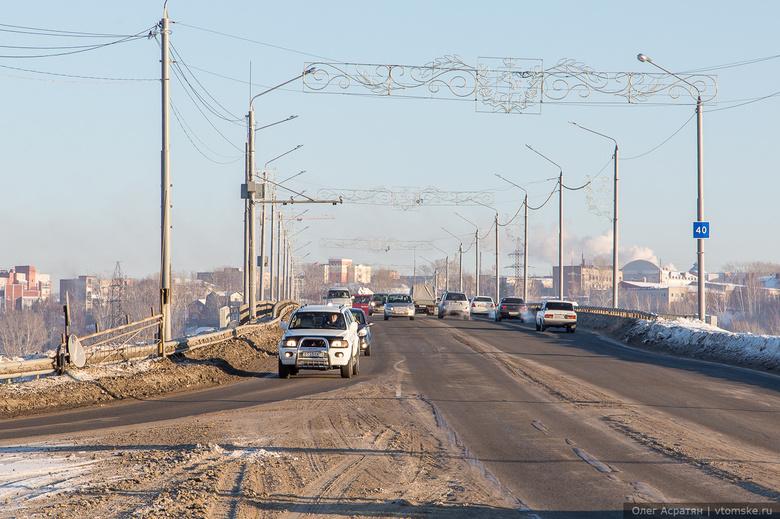 Сто фонарей установили на подъезде к Томску