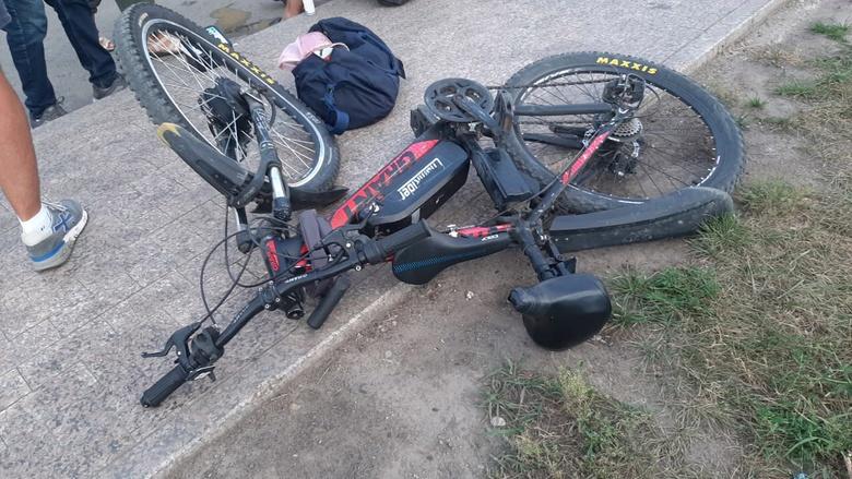 Kia сбила велосипедиста с 6-летним ребенком в Томске