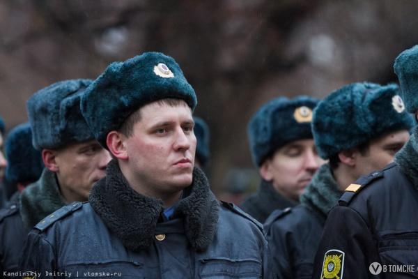 Больше 600 полицейских будут дежурить в Томской области в новогоднюю ночь