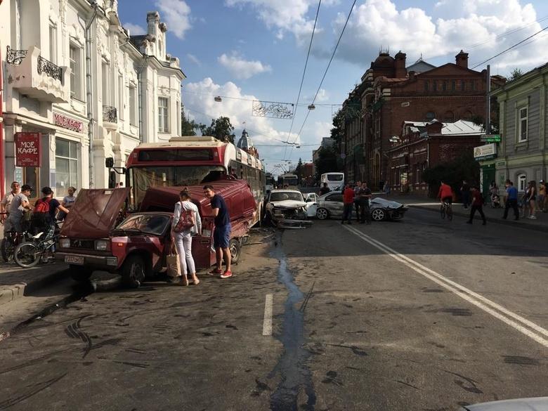 Массовое ДТП произошло в центре Томска