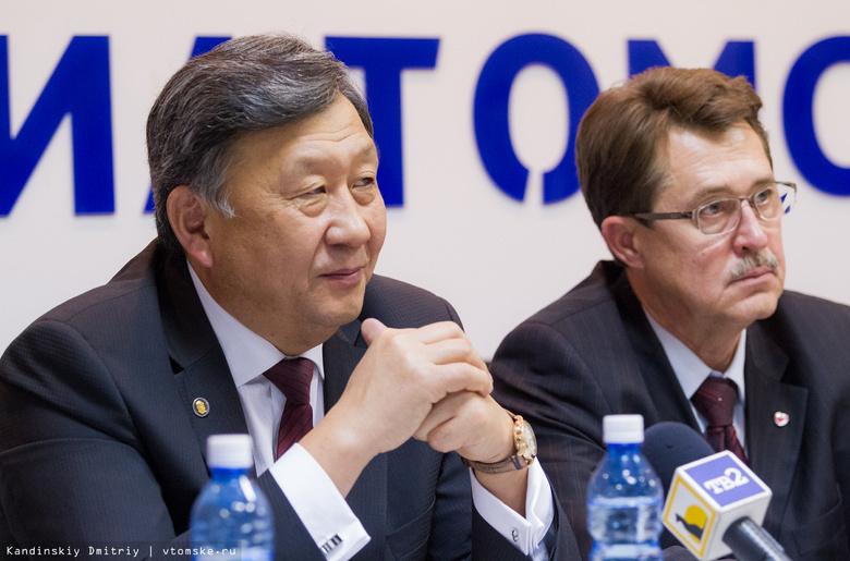 Евгений Чойнзонов переизбран председателем Общественной палаты Томской области