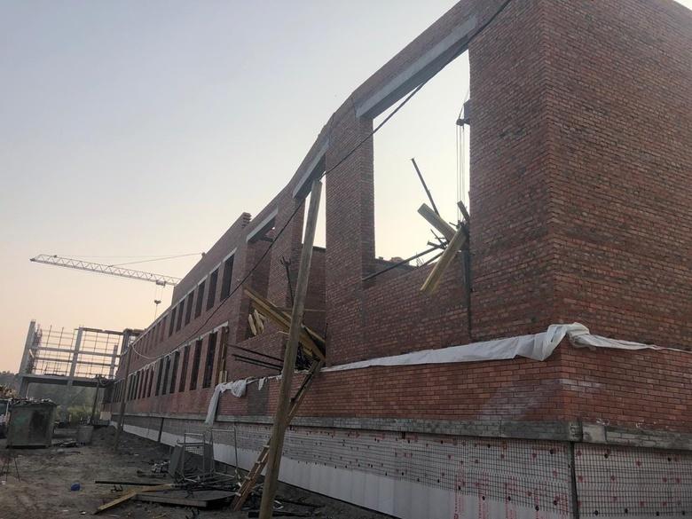 Суд рассмотрит дело об обрушении части строящейся школы в Северном Парке