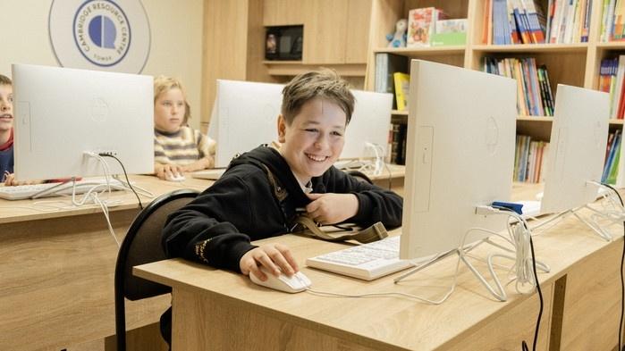 «Наша идея — сделать их программистами к 15 годам»