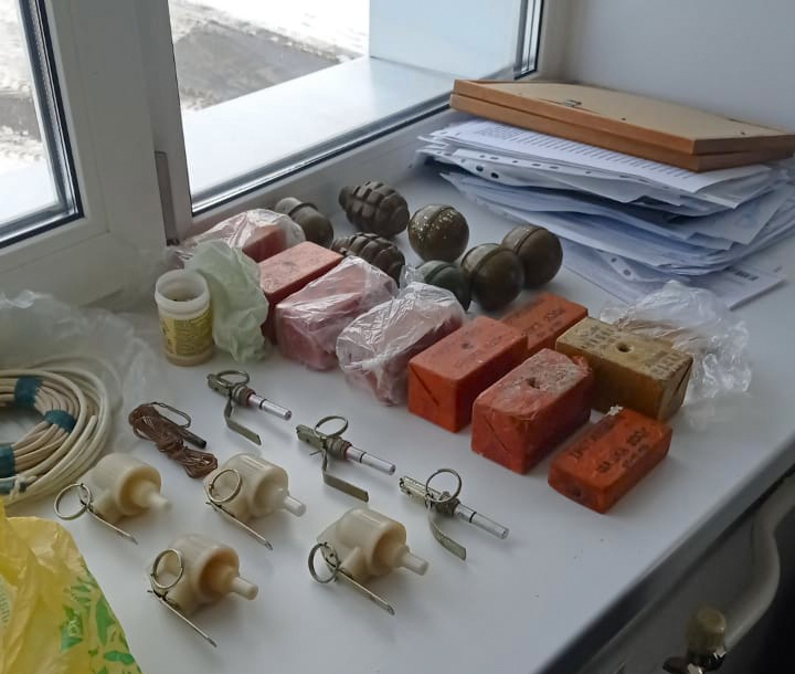 СК: директор томской фирмы, подозреваемый в подкупе, хранил взрывчатку