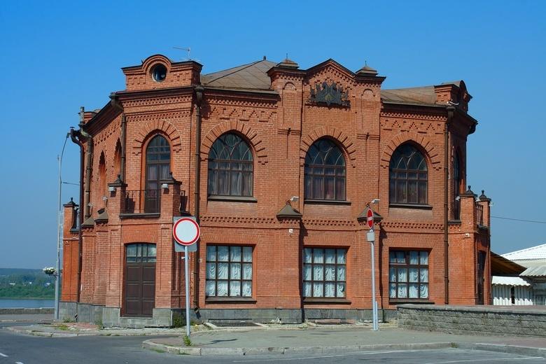 Тютюшев купил на торгах старейший ресторан Томска за 49,5 млн руб
