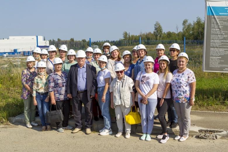 Учителя физики посетили стройплощадку уникального энергообъекта