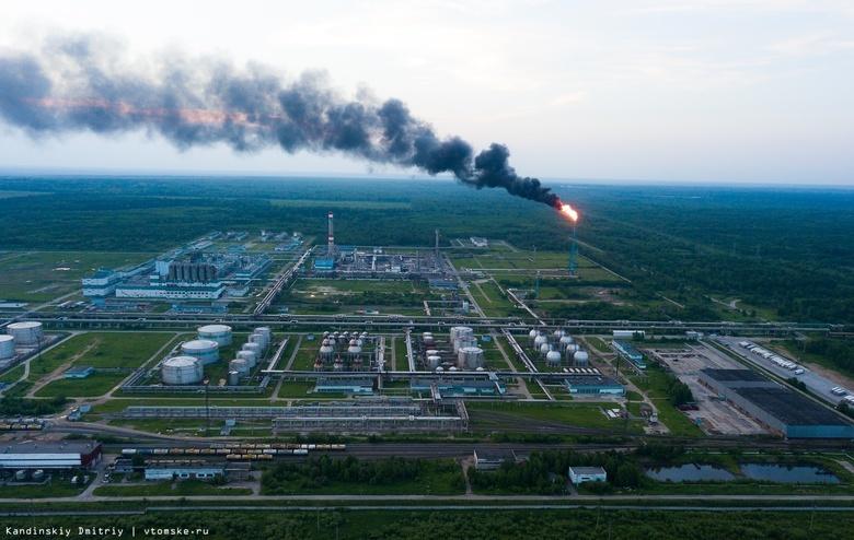 «Томскнефтехим» объяснил причину густого черного дыма от факела
