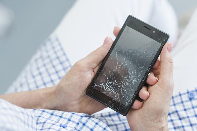 Впервые в России: онлайн-страхование экрана смартфона теперь доступно клиентам «Билайн»