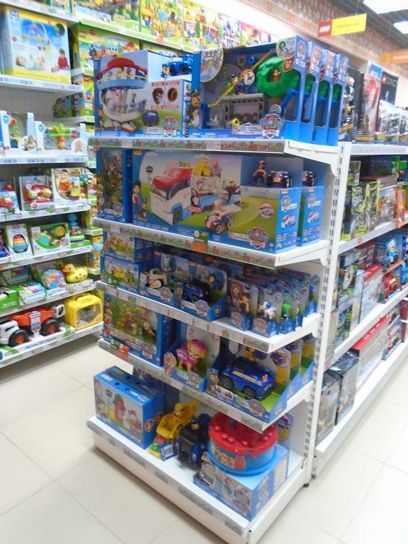 картинки магазина игрушек которые продаются в россии брасс подглядывает окно