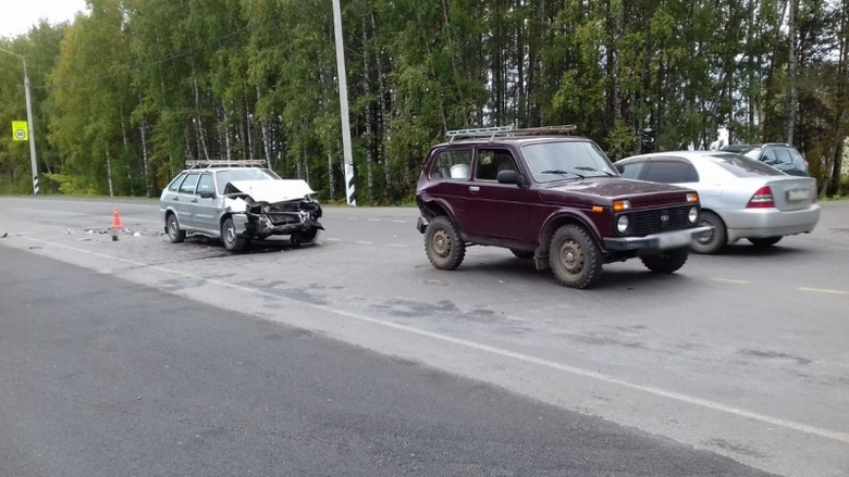 Пожилой водитель попал в больницу после ДТП с «Нивой» на трассе под Томском