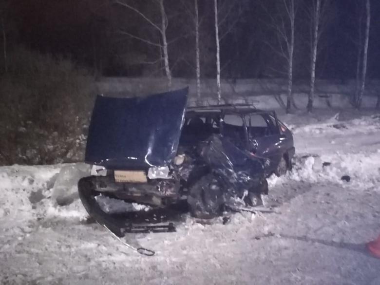 Таксист врезался в «Оду» по дороге из Томска в аэропорт