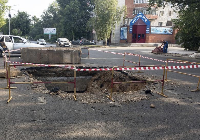Дорогу на Вершинина раскопали после ремонта из-за дефекта на теплосетях