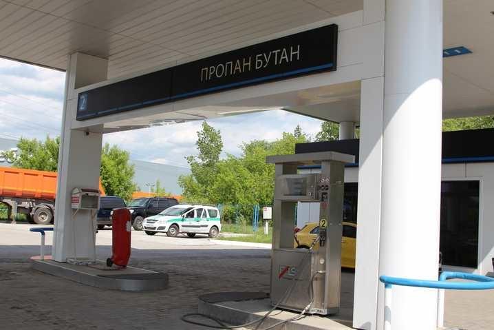 Приставы опечатали незаконную газовую заправку у Михайловской рощи в Томске